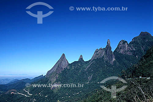 Desenho sinuoso formado pela estrada Rio-Teresópolis no Parque Nacional da Serra dos Órgãos - Teresópolis - Região serrana do estado do Rio de Janeiro - Brasil / Data: 2008