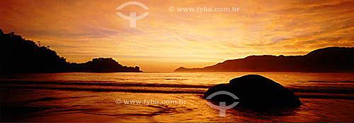 Ilha Grande ao entardecer - APA dos Tamoios - Baía de Angra dos Reis - Costa Verde - RJ - Brasil  - Angra dos Reis - Rio de Janeiro - Brasil