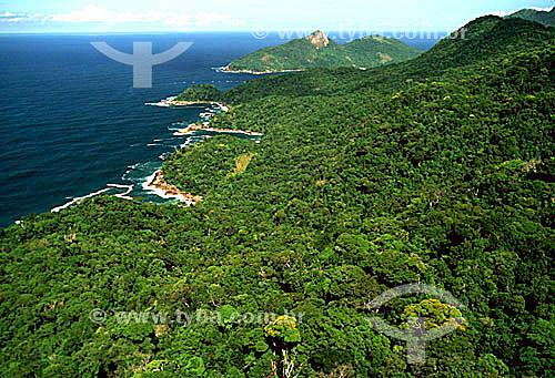 Vista aérea do Parque Estadual da Ilha Grande - APA dos Tamoios  - Baía de Angra dos Reis - Costa Verde - RJ - Brasil / Data: 2007 Toda a Ilha Grande está contida na Área de Proteção Ambiental dos Tamoios (APA dos TAMOIOS) e subdividida em 3 áreas mais específicas. Parque Estadual da Ilha Grande (PEIG), Parque Estadual Marinho do Aventureiro (PEMA) e Reserva Biológica da Praia de Sul (RBPS).