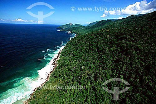 Vista aérea Parque Estadual da Ilha Grande - APA dos Tamoios  - Baía de Angra dos Reis - Costa Verde - RJ - Brasil  / Data: 2007 Toda a Ilha Grande está contida na Área de Proteção Ambiental dos Tamoios (APA dos TAMOIOS) e subdividida em 3 áreas mais específicas. Parque Estadual da Ilha Grande (PEIG), Parque Estadual Marinho do Aventureiro (PEMA) e Reserva Biológica da Praia de Sul (RBPS).