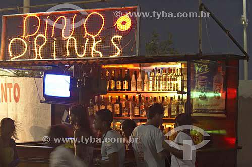 Barraca de drinks - Peró - Cabo Frio - RJ - Brasil - janeiro 2006  - Cabo Frio - Rio de Janeiro - Brasil