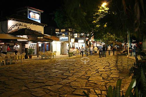 Rua das Pedras à noite - Búzios - RJ - Brasil - outubro/2005  - Armação dos Búzios - Rio de Janeiro - Brasil