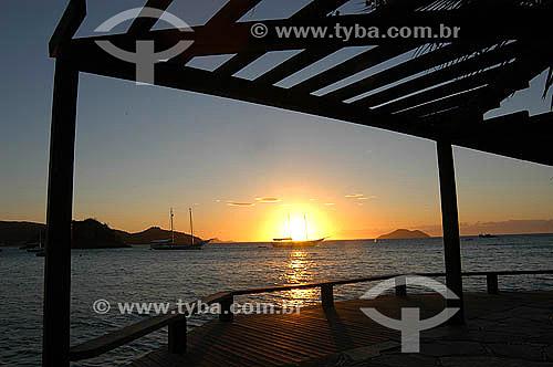 Pier no local de homenagem à Brigitte Bardot ao pôr-do-sol - Búzios - Região dos Lagos - Litoral norte do Rio de Janeiro - Brasil                                - Armação dos Búzios - Rio de Janeiro - Brasil