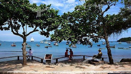 Praia da Armação - Local onde fica Estátua de Juscelino Kubitschek em frente à Pousada Peixe Vivo - Búzios - RJ - Dezembro de 2007  - Armação dos Búzios - Rio de Janeiro - Brasil