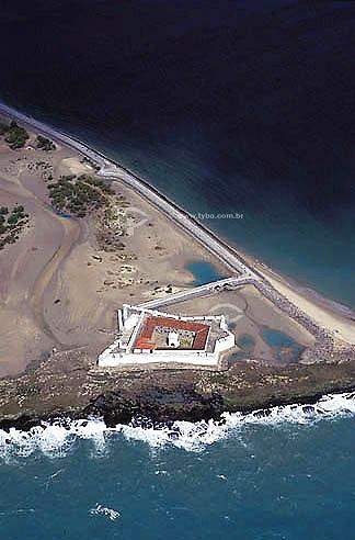 Visão aérea do Forte dos Reis Magos - Rio Grande do Norte - Brasil / Data: 2002  O Forte, atualmente, funciona como Museu de Artes Populares e é Patrimônio Histórico Nacional desde 13-05-1949.