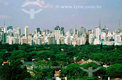 Vista dos Jardins e região da Av. Paulista com skyline da cidade de São Paulo ao fundo - SP- Brasil - 12/1999  - São Paulo - São Paulo - Brasil