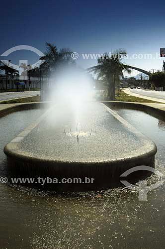 Chafariz na Boulevard Ulisses Dante Batiston - Osasco - SP - Brasil  - Osasco - São Paulo - Brasil