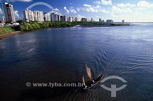 Barco no Rio Sergipe - Aracajú - Sergipe - Brasil / Data: 2009