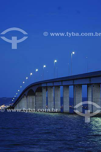 Ponte da Amizade ou Ponte Fernando Henrique Cardoso sobre o Rio Tocantins - Liga a Cidade de Palmas à cidade de Paraízo - Palmas - TO - Brasil  - Palmas - Tocantins - Brasil