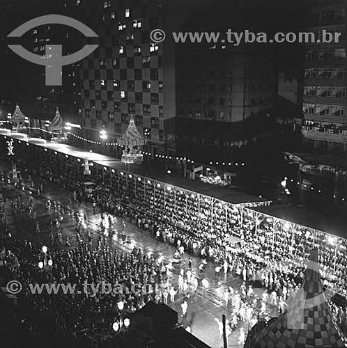 Escola de Samba desfilando na Avenida Presidente Vargas - Rio de Janeiro - RJ - Brasil  - Rio de Janeiro - Rio de Janeiro - Brasil