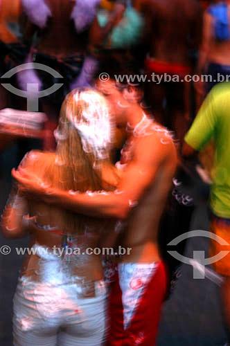Casal se beijando na Banda de Ipanema - Ipanema - Carnaval 2005 - Rio de Janeiro - RJ - Brasil  - Rio de Janeiro - Rio de Janeiro - Brasil