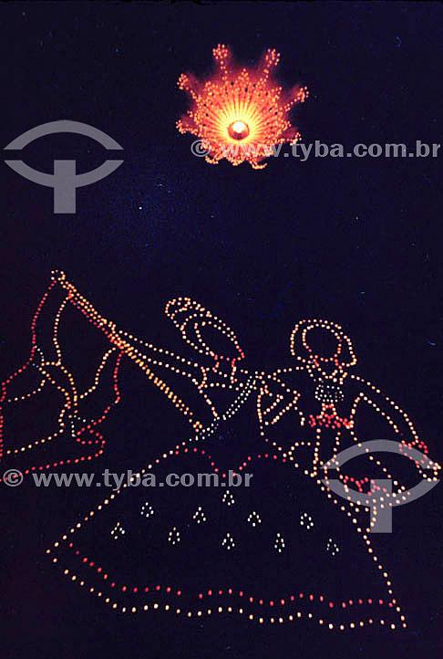 Festa junina - Balão de São João com desenho feito com lanterninhas  - Rio de Janeiro - Brasil