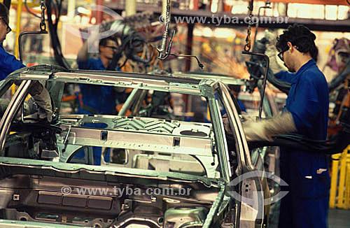Indústria automobilística - Linha de montagem - Autolatina / Ford - São Bernardo do Campo - São PauloAnos 80  - São Paulo - São Paulo - Brasil