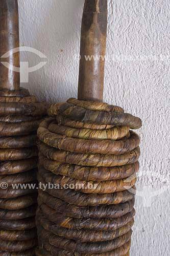 Rolos de fumo prontos para serem enrolados em pedaços menores - Piracanjuba - GO - Brasil  - Piracanjuba - Goiás - Brasil