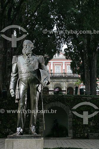 Estátua de Dom Pedro II em frente ao Museu Imperial  - Petrópolis - Rio de Janeiro - Brasil