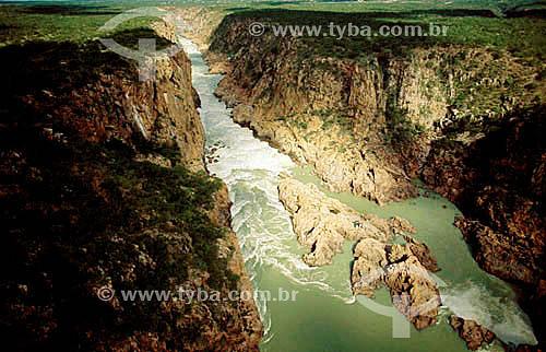 Canion do Rio São Francisco entre Paulo Afonso e Xingó - Caatinga - BA - Brasil  - Canindé de São Francisco - Bahia - Brasil