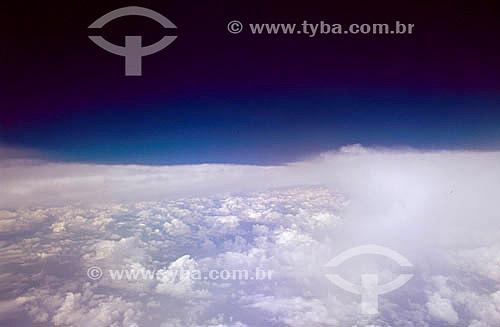 Visão aérea de nuvens a partir de um avião