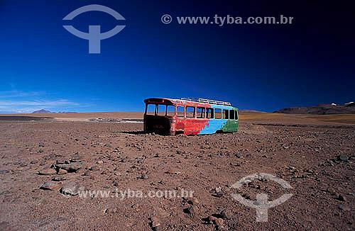 Sucata de ônibus no Deserto do Atacama, Norte do Chile -  2003
