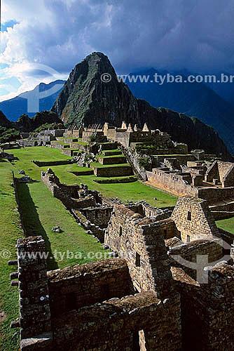 Ruínas de Machu Picchu, Pico Wayna Picchu no fundo - Peru