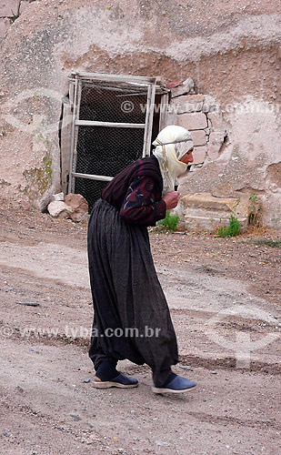 Mulher muçulmana em Uçhisar - Capadócia - Turquia - Outubro de 2007