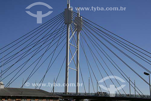 Ponte Nelson Mandela, parte nova da cidade - Joanesburgo - África do Sul - Agosto de 2006