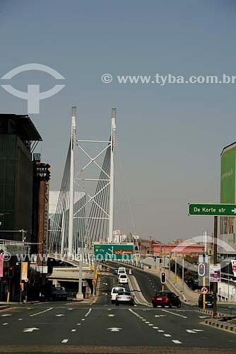 Ponte Nelson Mandela, parte nova da cidade - Joanesburgo - África do Sul - Julho de 2006