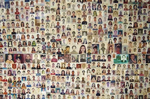 Ritual religioso: sala de ex votos na Igreja de Nossa Senhora da Conceição com mural de fotos - Porto das Caixas / Itaboraí - RJ - Brasil - 5/01/2007   - Itaboraí - Rio de Janeiro - Brasil