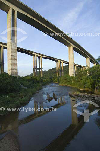 Rodovia dos Imigrantes na Baixada Santista - Cubatao - SP - Brasil / 2007  - Cubatão - São Paulo - Brasil