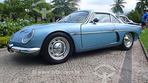 Ineterlagos - primeiro carro esportivo brasileiro com carroceria de fibra de vidro - 1964