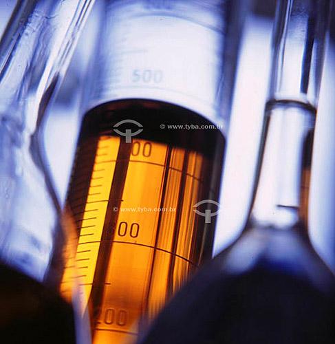 Vidraria no laboratório de combustíveis da Petrobrás - CENPES  - Rio de Janeiro - Rio de Janeiro - Brasil
