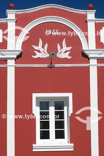 Assunto: Detalhe de janela de arquitetura colonialLocal: Ribeirão da IlhaCidade: Florianópolis - SCPaís: BrasilData: 26/10/2007