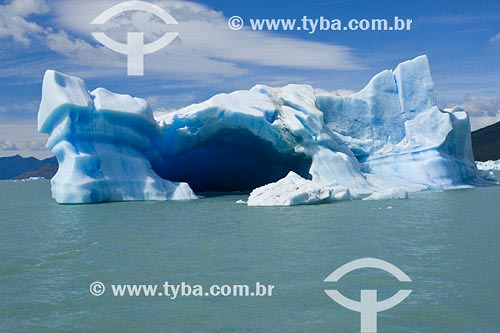 Assunto: Iceberg no Lago ArgentinoLocal: Parque Nacional Los Glaciares, Santa Cruz, PatagôniaPaís: ArgentinaData: 17/01/2007