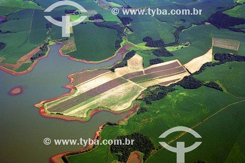 Assunto: Vista aérea de plantações - Agricultura - Lago ArtificialLocal: Salto do Jacuí - Noroeste do Rio Grande do Sul - Região de Cruz AltaData: Março de 2008