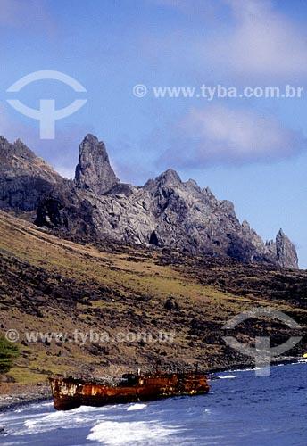 Assunto: Barco encalhado na Ilha de TrindadeLocal: Espírito SantoData: