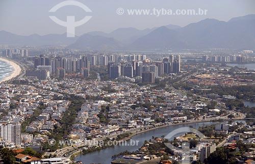 Assunto: Vista aérea da Barra da Tijuca com Pedra da Gávea ao fundoLocal: Rio de Janeiro - RJData: 05/08/2006