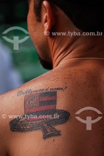 Assunto: Tocedor do Flamengo com tatuagem do escudo do time