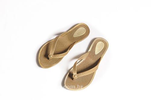 Assunto: Par de sandálias