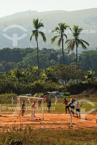 Assunto: Futebol de várzea, próximo à Santo Antônio de Pádua, com o Rio Pomba ao fundo / Local: Noroeste Fluminense - RJ / Data: 06/2008