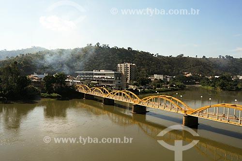 Santo Antônio de Pádua - Rio Pomba com a Ponte Raul Veiga mais conhecida como Ponte Velha - Noroeste Fluminense - Rio de Janeiro / 2008  - Santo Antônio de Pádua - Rio de Janeiro - Brasil