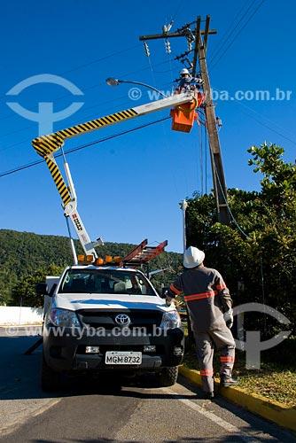 Assunto: Eletricistas na Praia de Taquara / Local: Balneário Camboriú - SC - Brasil / Data: 10/06/2008