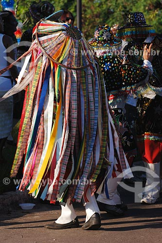 Assunto: Brincante de Bumba-meu-boi - Bairro Madre Deus, próximo Capela São Pedro / Local: São Luis - MA / Data: 08/2008