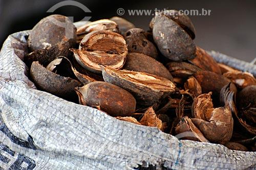 Assunto: Coco de babaçú - Sede da União das Mães / Local: Itapecurú-Mirim - MA / Data: 08/2008