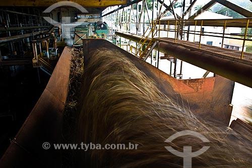 Cana-de-açúcar sendo moída na Usina São Francisco de Etanol e Açúcar  - Sertãozinho - São Paulo (SP) - Brasil