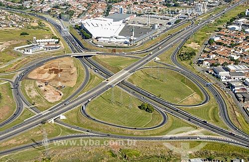 Assunto: Vista aérea do trevo de acesso á Campinas - Via Anhanguera / Local: Campinas (SP) / Data: 11 de Abril de 2007