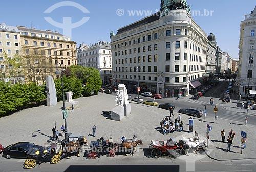 Assunto: Praça ao lado do Palácio Albertina / Local: Viena - Áustria / Data: 21 de Abril de 2007