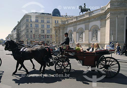 Assunto: Turistas passeando de charrete no centro de Viena / Local: Viena - Áustria / Data: 21 de Abril de 2007