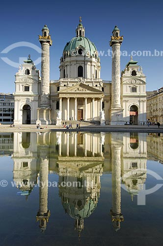 Assunto: Karlskirche - Igreja São Carlos Borromeo / Local: Viena - Áustria / Data: 22 de Abril de 2007