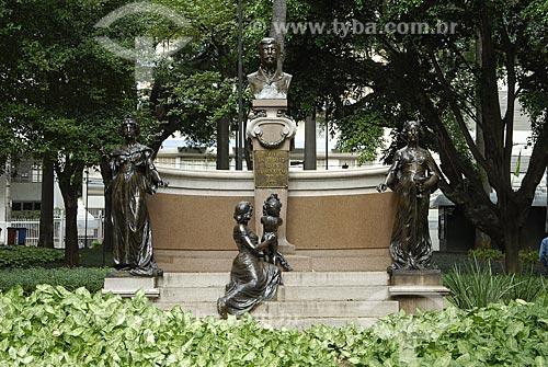 Assunto: Estátuas na Praça Carlos Gomes / Local: Campinas - São Paulo (SP)Data: 05/2007Autor: Delfim Martins