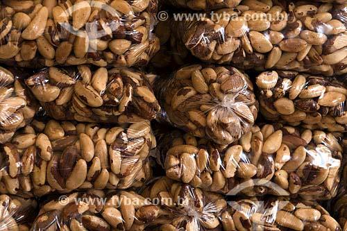 Assunto: Sacos de castanha do Pará para comercio no varejo / Local: Belém (PA) / Data: 25 de Julho de 2008