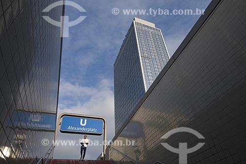 Assunto: Entrada do metro da Praça Alexanderplatz em Berlim / Loal: Berlim - Alemanha / Data: 27 de Setembro de 2008